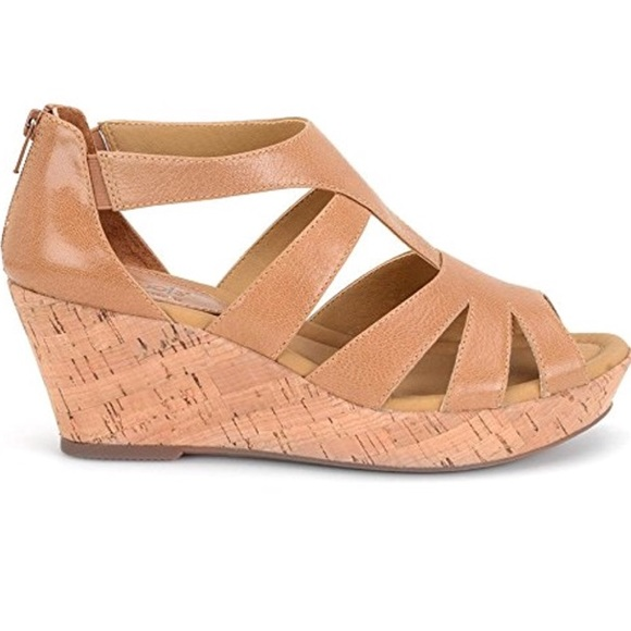 a3bb3c2e8b09 Softspots Rhode Wedge Sandal